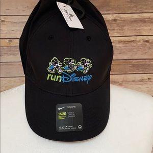 NWT Black Nike Disney RunDisney Hat